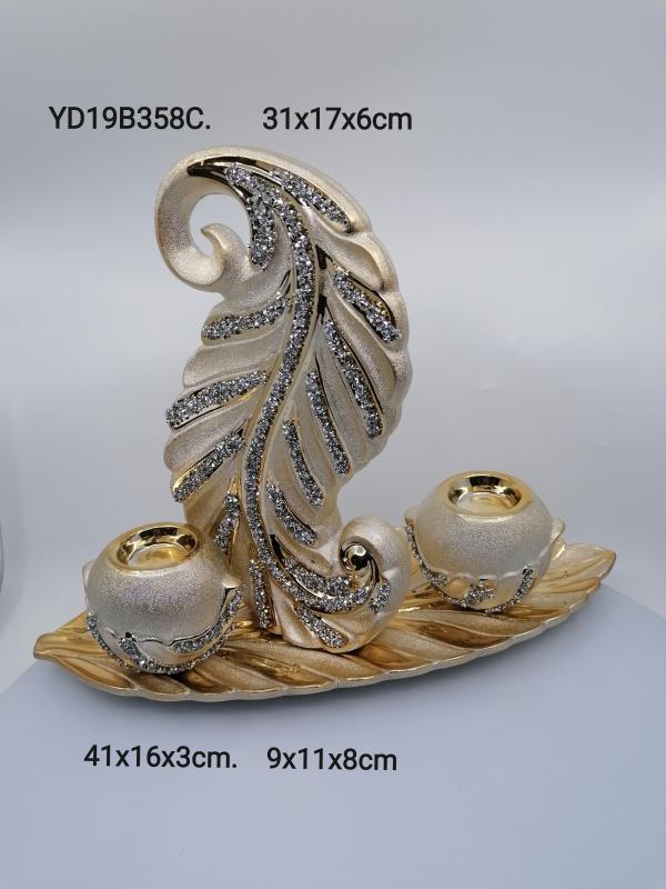 Zlatá dekorácia so svietnikmi 358C