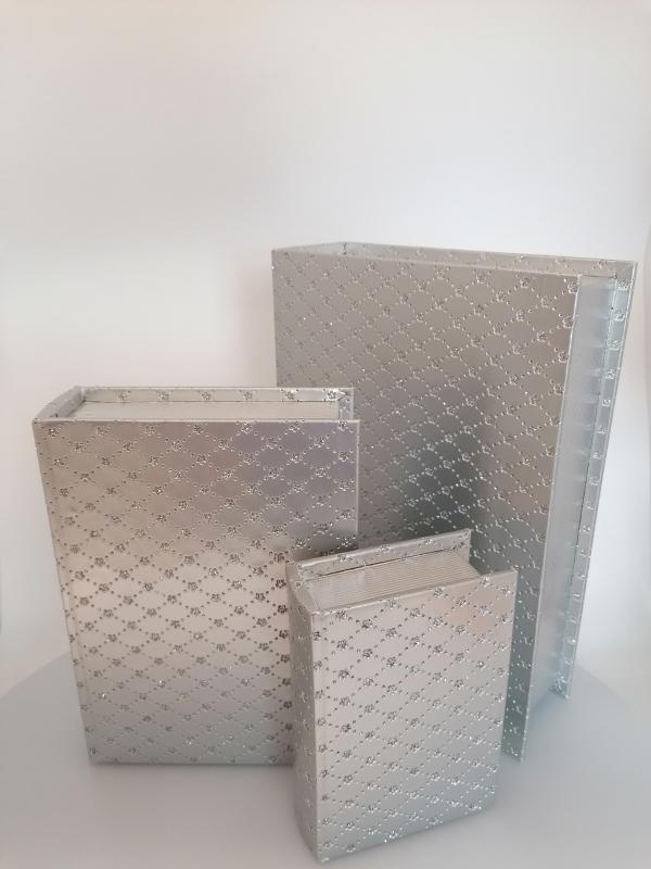 Sada strieborných krabičiek