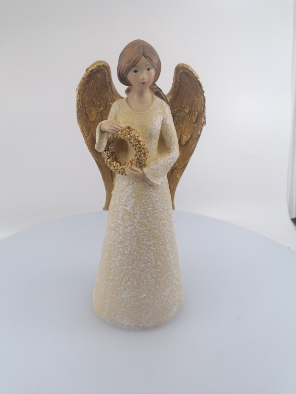 Anjel s vianočným vencom 24cm
