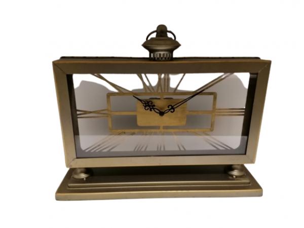 Kovové stolové hodiny 34x11x42cm