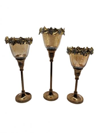 Svietnik zo skla s kovovou nôžkouzlatý, rozmery: veľký: 31 cm, stredný: 27cm, malý: 24 cm
