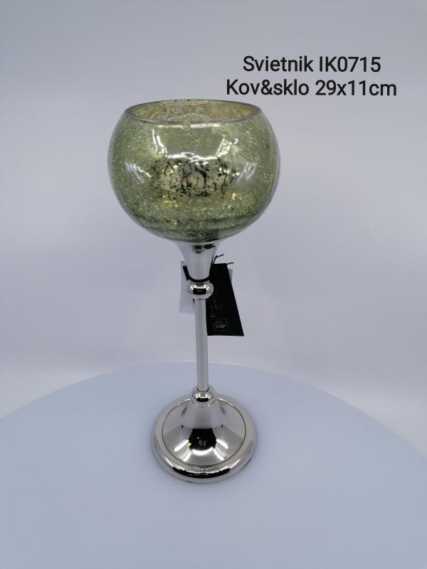 Kovový svietnik strieborný so zeleným sklom , 29x11 cm